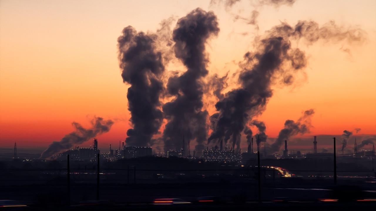 [Copertina] - Inquinamento, sospesa fino alle elezioni la multa all'Italia