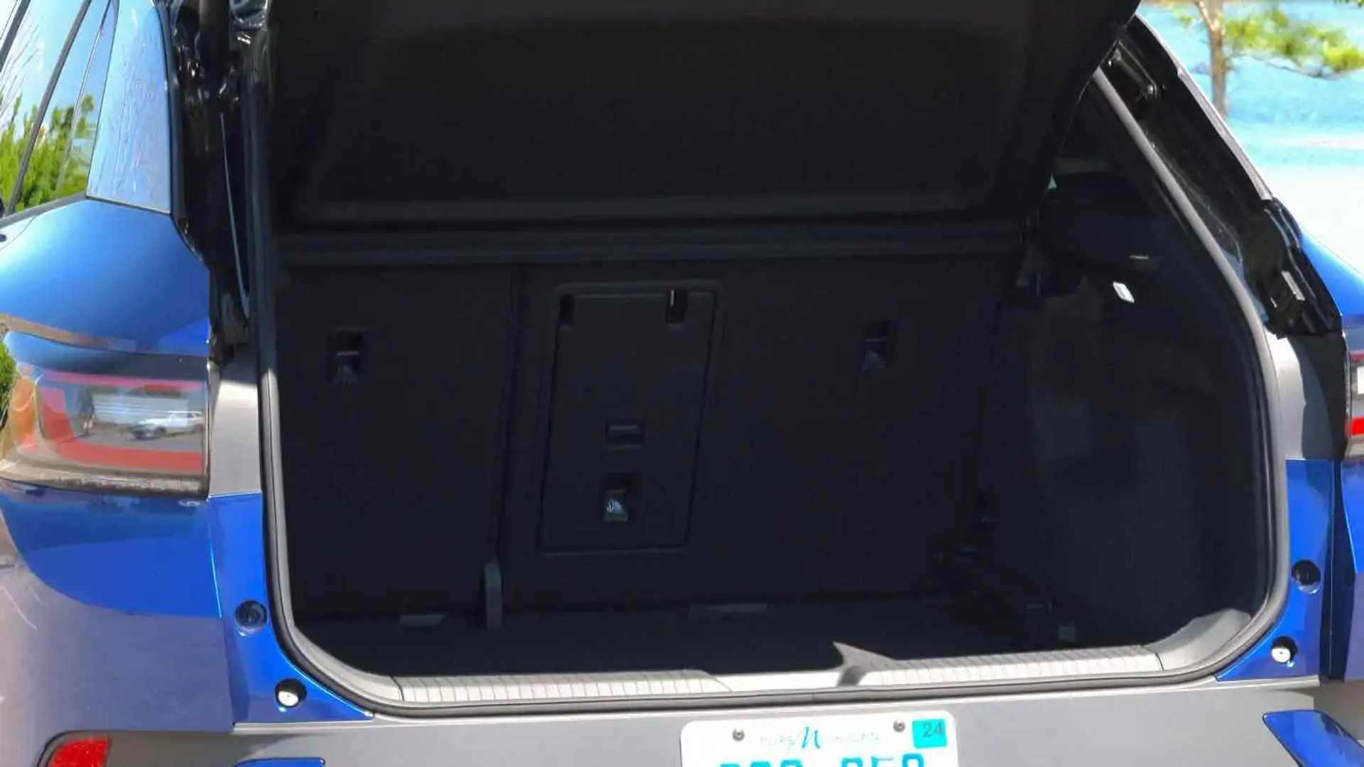 https://cdn.motor1.com/images/mgl/N7EzG/s6/2021-volkswagen-id.4-1st-edition-interior.jpg