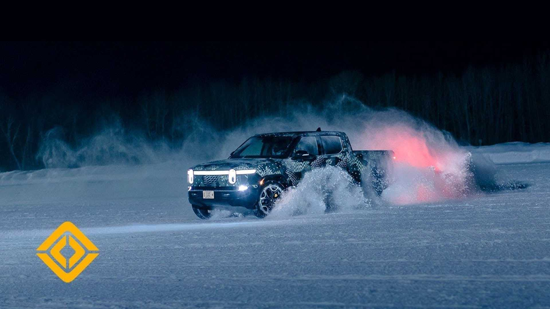 Rivian R1T Cold Weather Testing (© Elliot Ross)
