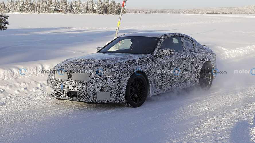 2022 BMW M2, üretime hazır gövdesi ile yakalandı!