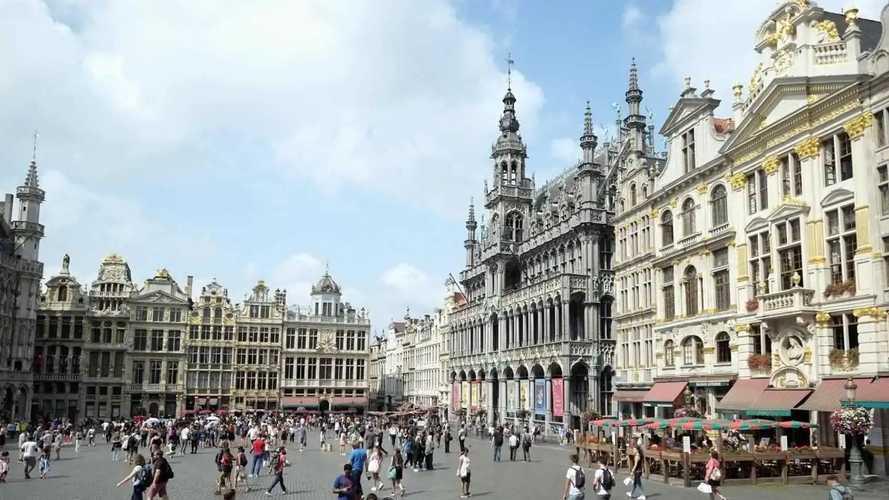 Bruxelles va interdire toutes les voitures thermique en 2035