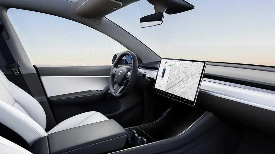 Tesla, sürücülerin verilerine göre sigorta fiyatı çıkaracak