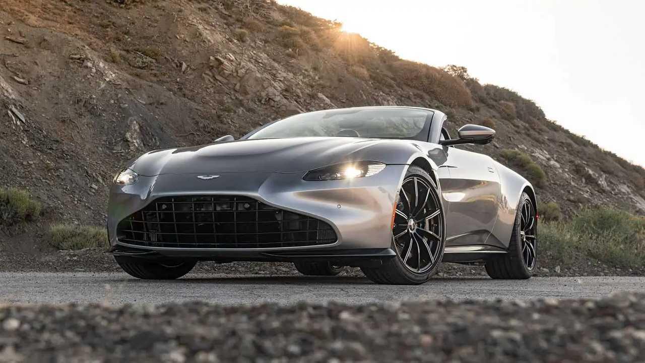 2021 Aston Martin Vantage Roadster Exterior Front Quarter