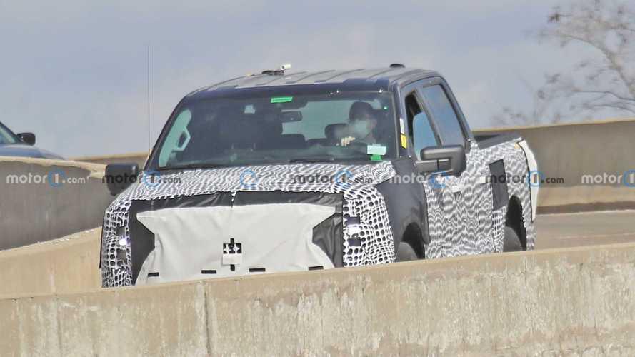 Üretime hazır Ford F-150 EV modelleri casuslarımıza yakalandı