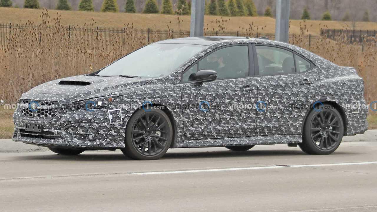 Nuova Subaru WRX, le foto spia