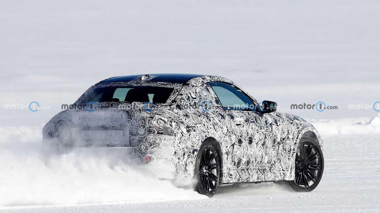 Nuova BMW M2 Coupe spia foto