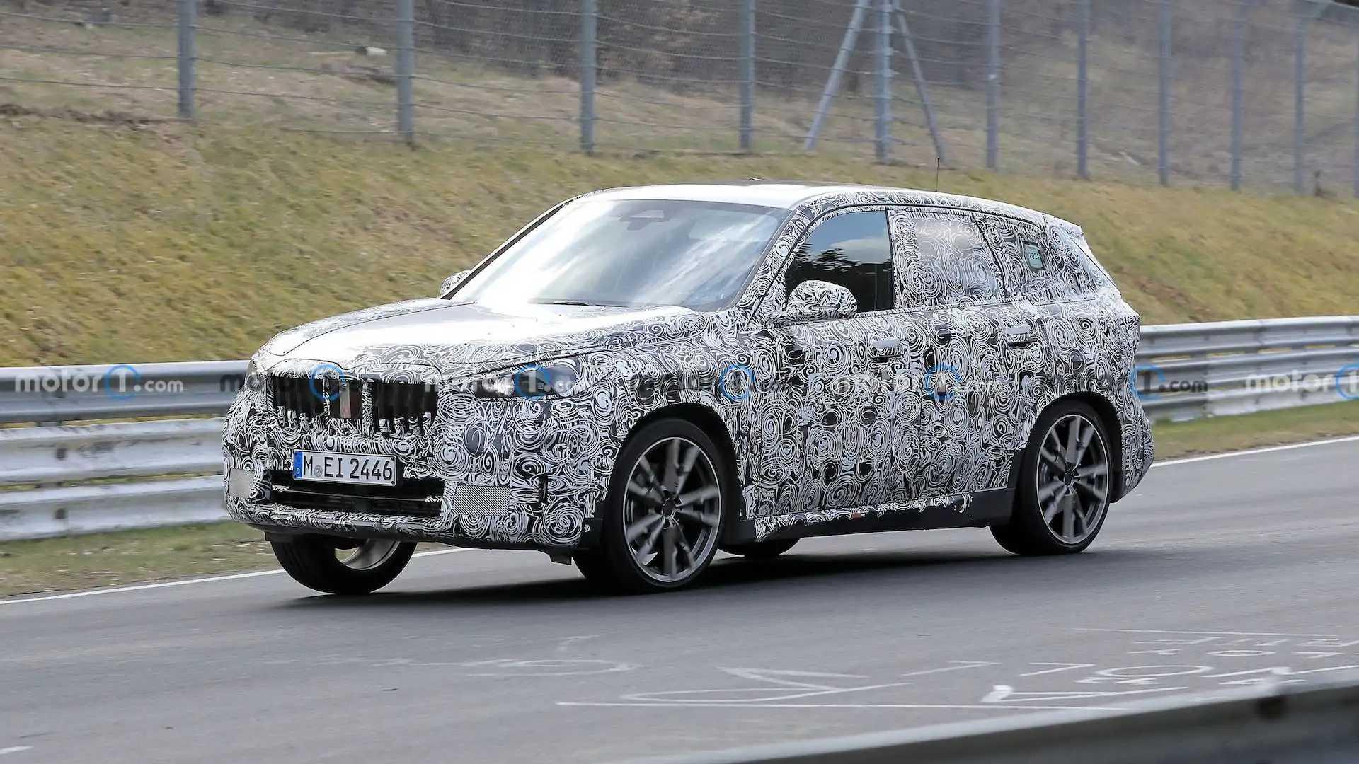 2022 BMW X1, Nürburgring'de test ediliyor