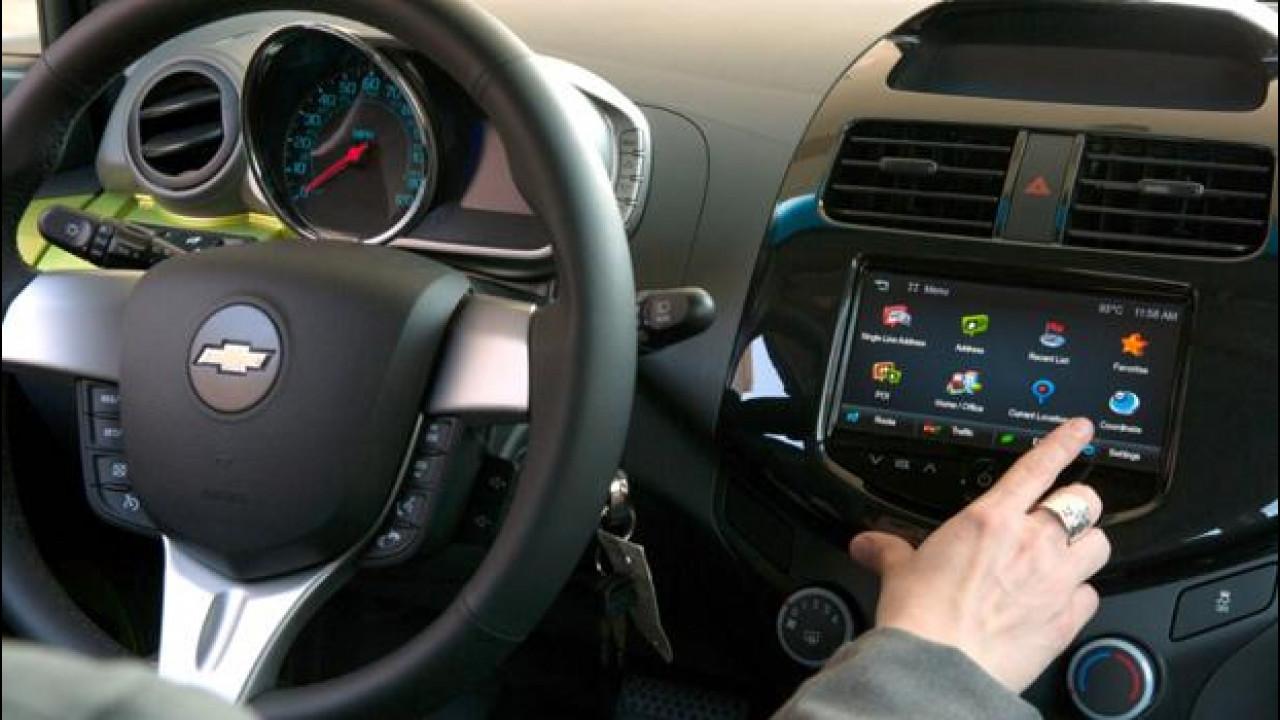 [Copertina] - CES 2013: TuneIn, la radio globale approda su Chevrolet MyLink