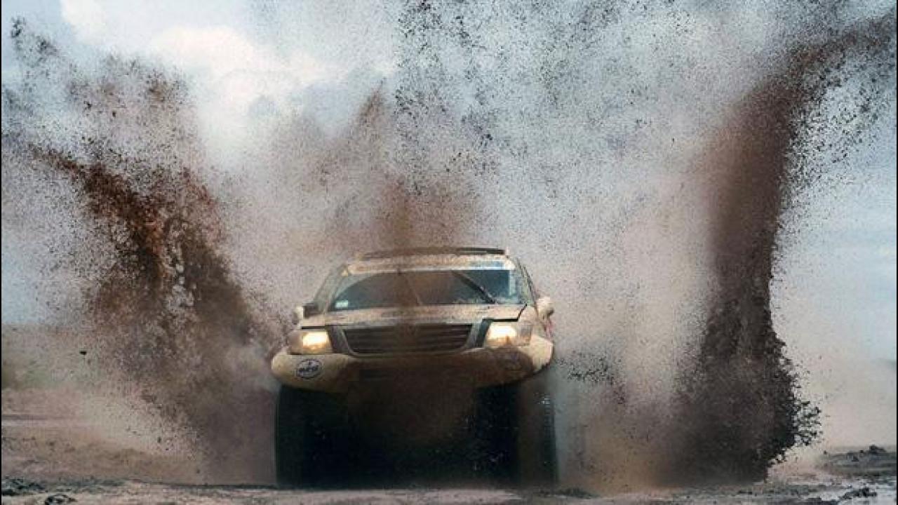 [Copertina] - Dakar 2015, primo successo per Toyota