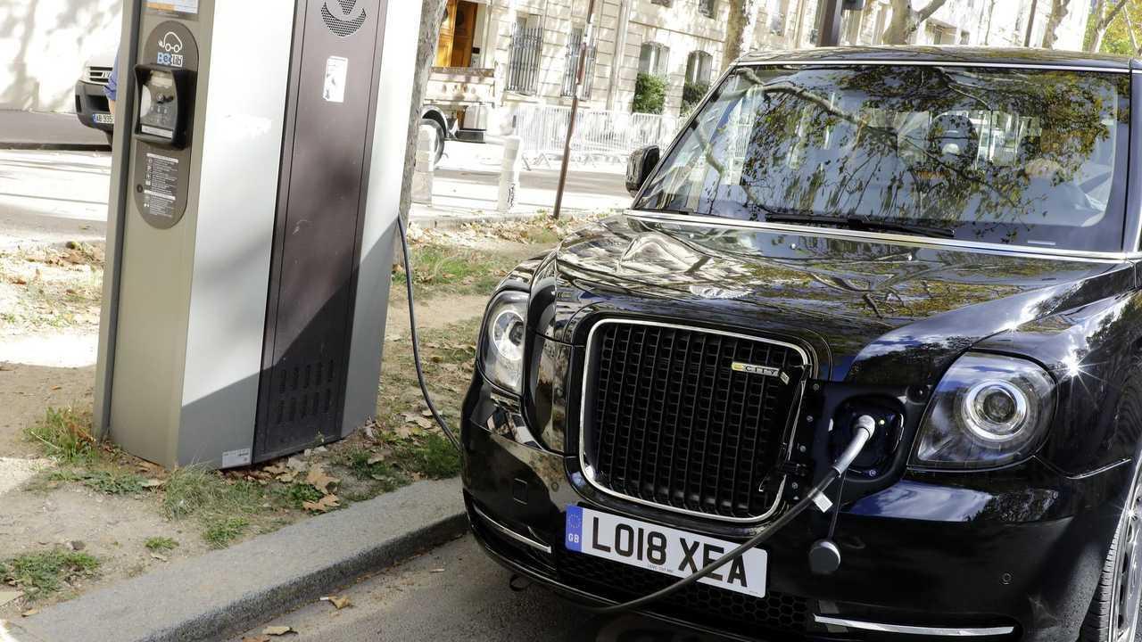 Paris'te Londra Taksi LEVC TX eCity