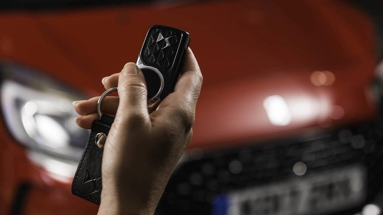 DS Automobilescontactless payment car key