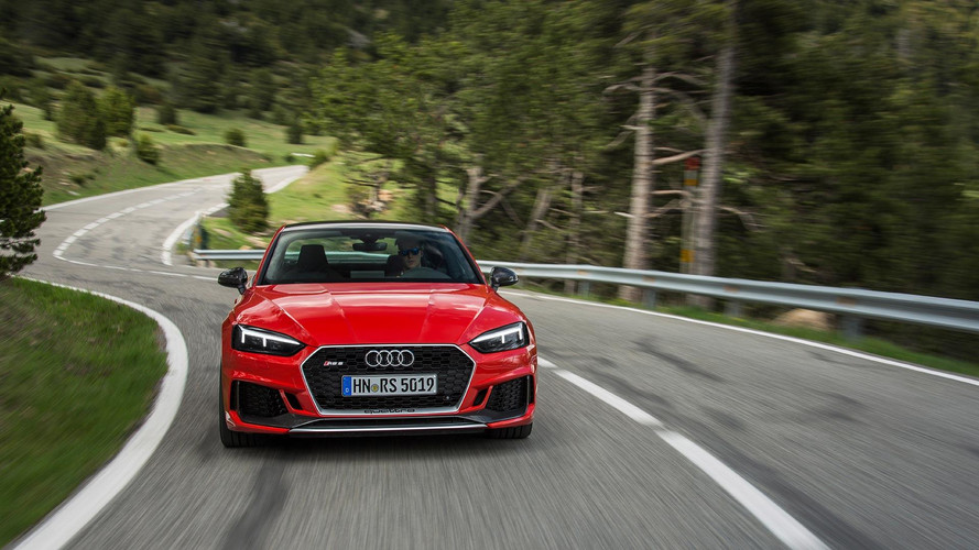 Audi RS4 Avant ve RS5 Coupe'ye Carbon Edition geldi