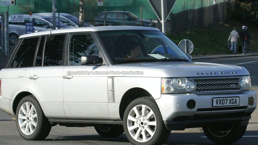 Supercharged Range Rover Spied