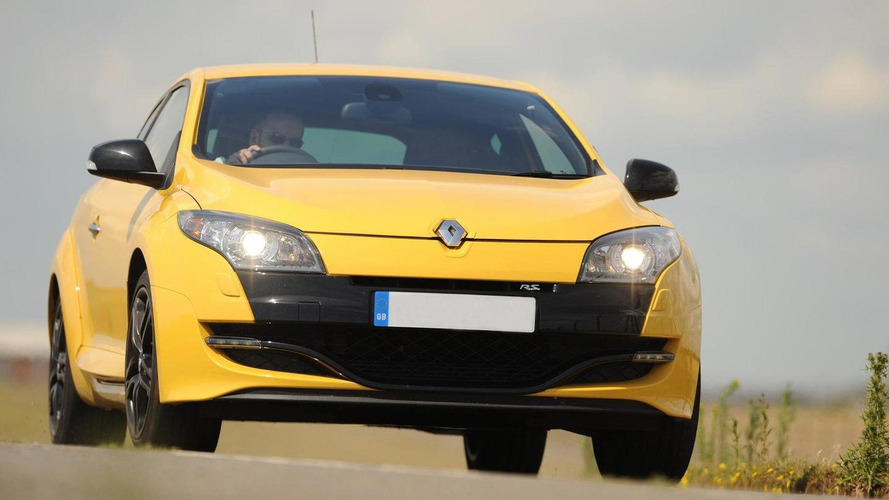 Megane RS 250 dialed up to 320 HP by RS Tuning