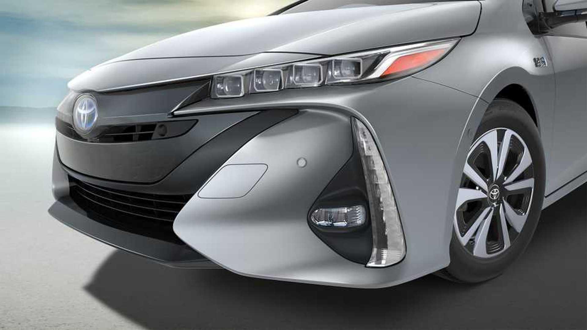 2017 Toyota Prius Prime Plug In Debuts 25 Miles Range 133 Mpge Update
