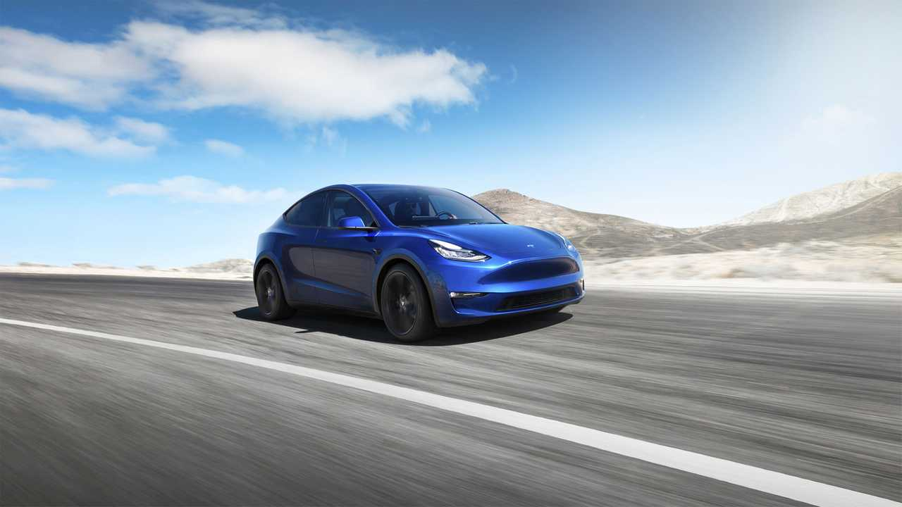 Tesla Says Model 3 & Model Y Will Both Be Equipped To Tow