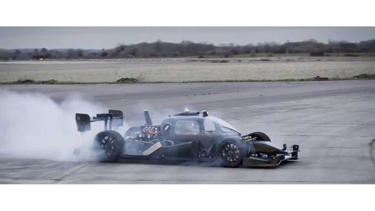 Watch Roborace Devbot Showcase Some Extreme Driving