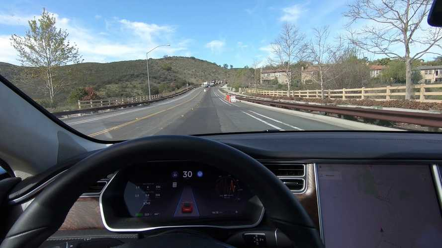 Watch Updated Autopilot On Tesla Model S Handle Construction Zone