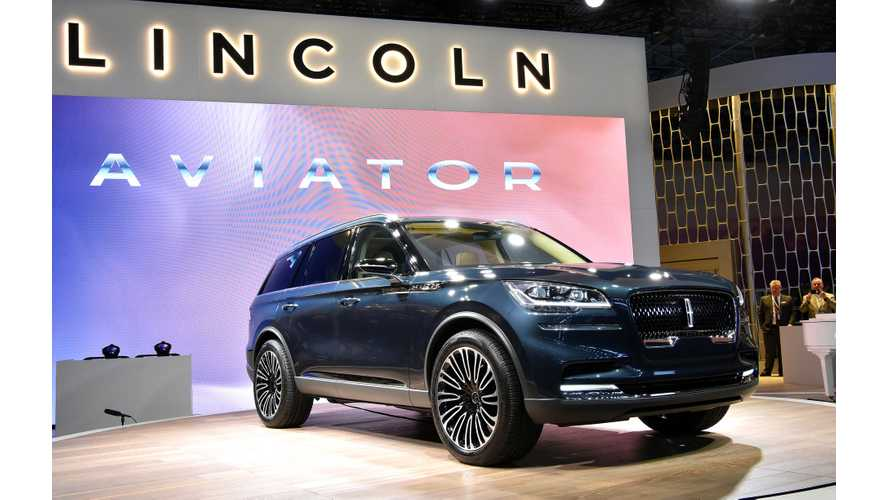 Lincoln Aviator At 2018 New York Auto Show - Live Photos & Videos