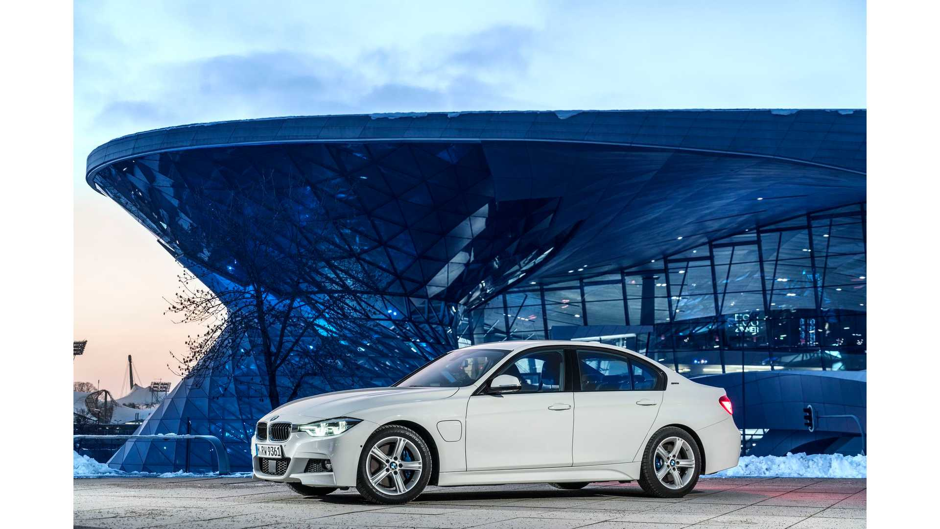 Bmw Car Mileage Luxury Car And Motorcycle Brands