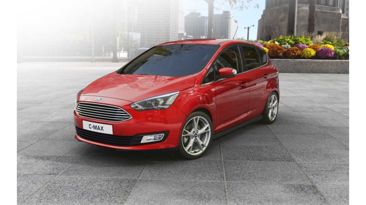 We had expected to see the 2017 MY C-Max to take on the look of its Euro-brother (seen here in petrol form), but that is not the case, as the model keeps a distinctive look for North America