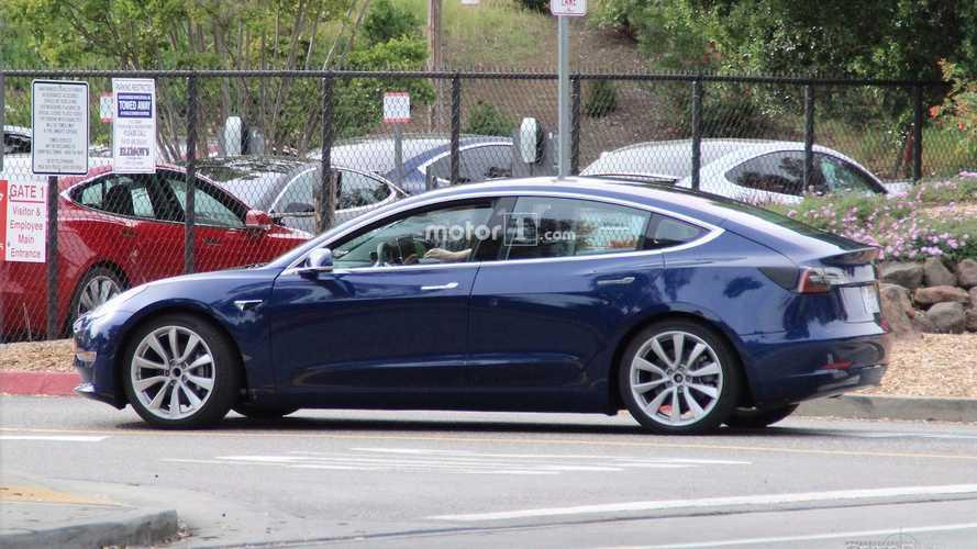 Tesla To Deliver 83,000 Model 3 Sedans In 2017?