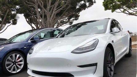 EV Comparison: Tesla Model S Versus Tesla Model 3