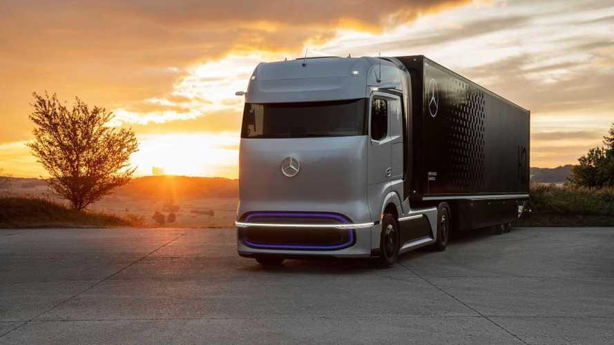 Daimler presents GenH2 hydrogen fuel-cell concept truck
