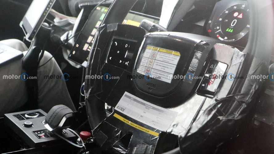 Шпионы заглянули в салон нового Range Rover (20 фото)