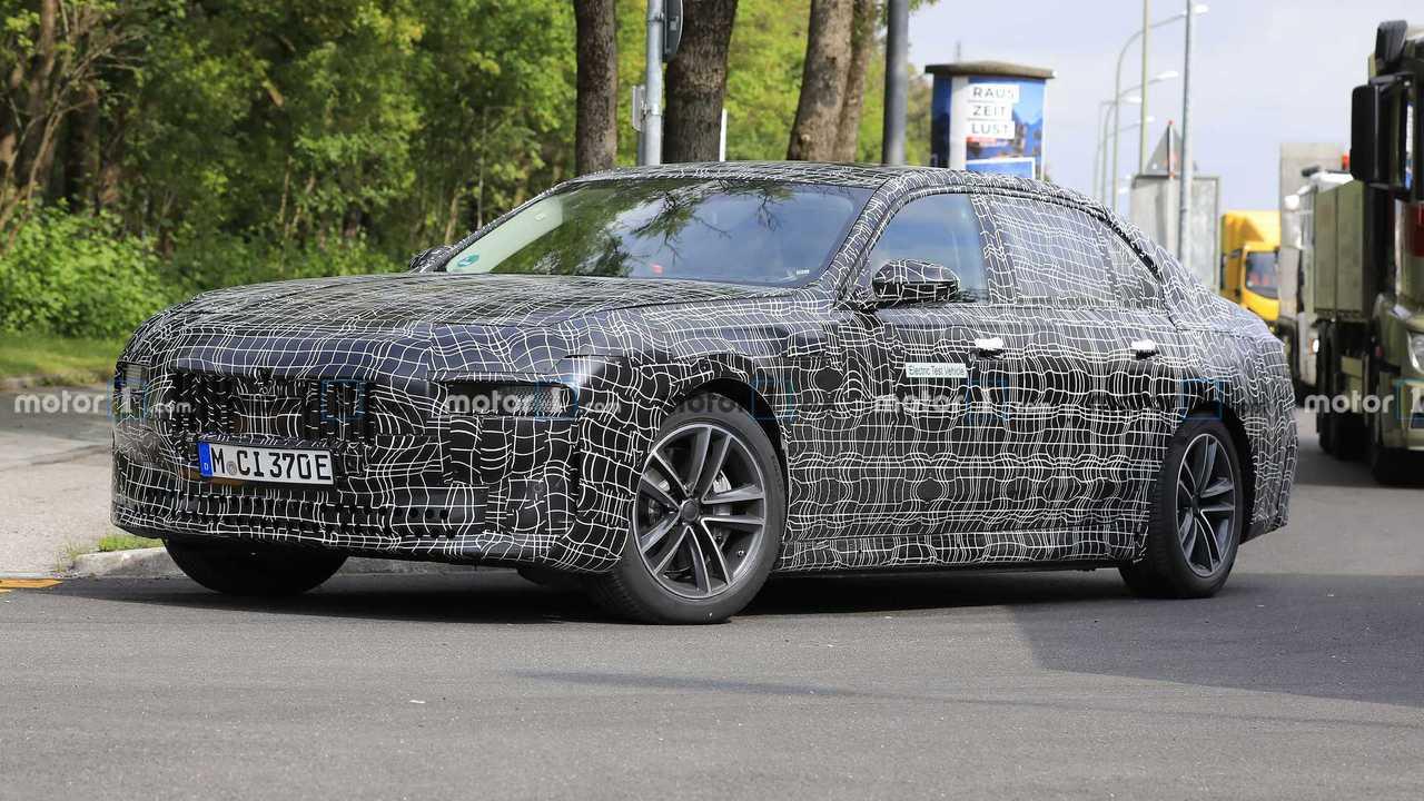 Шпионские фото электрокара BMW 7 Series
