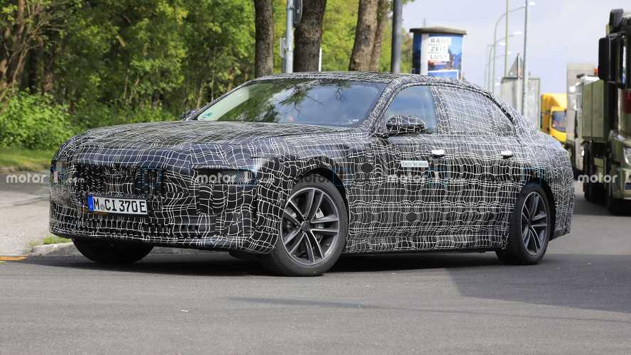 BMW i7: 650 л.с. и 700 километров на одном заряде