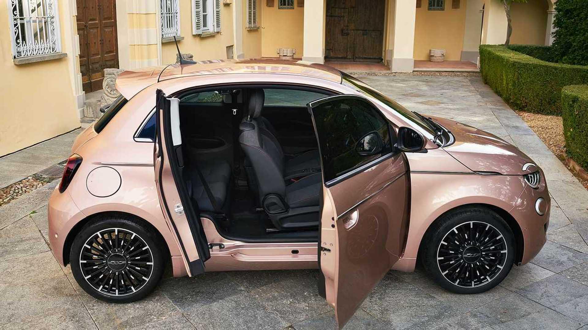 Fiat 500 Electric 3+1 Debuts As More Practical Mini EV