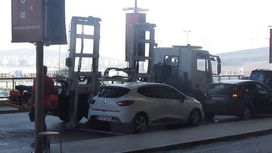 Les nouveaux camions des fourrières : 30 secondes suffisent