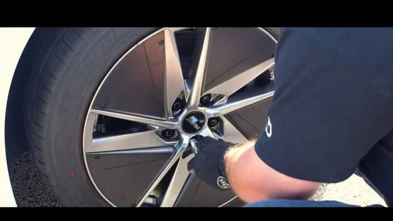 ev01 wheels vs tesla model 3 aeros track testing efficiency. Black Bedroom Furniture Sets. Home Design Ideas