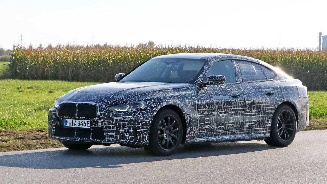 A BMW i4 prototípus kémfotói