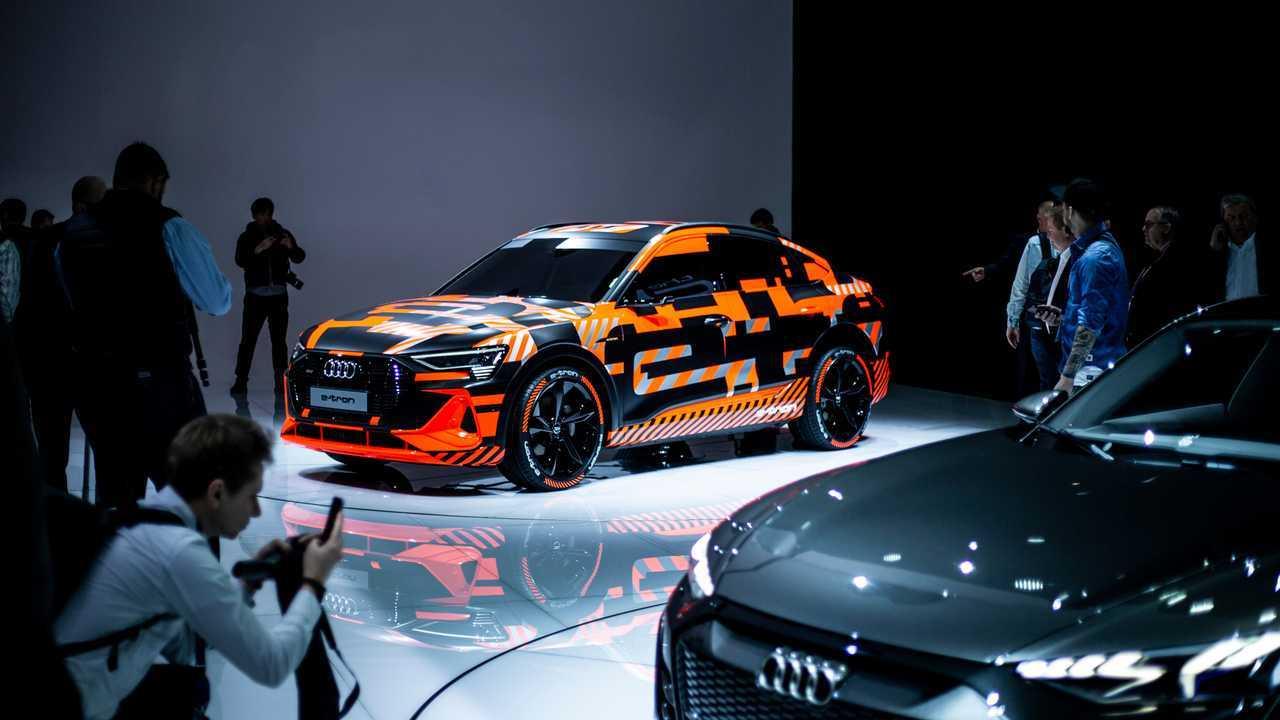 Тизер Audi E-Tron Sportback