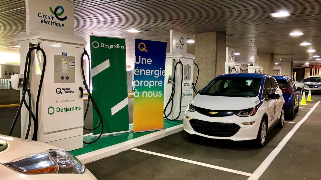 Desjardins and Hydro-Québec partner up to create Quebec's first urban vehicle-charging superstation