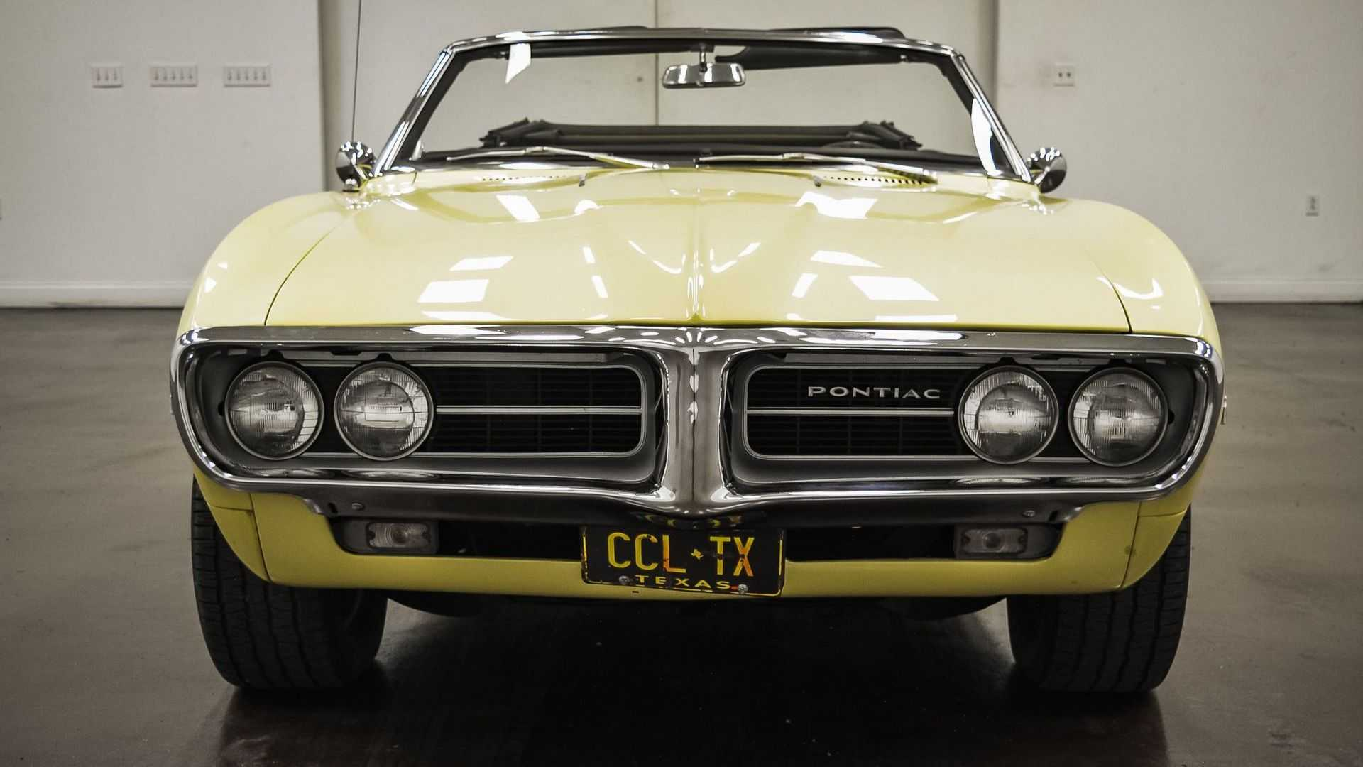 "[""Drive Away In A Rare 1967 Pontiac Firebird Sprint""]"
