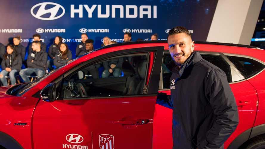 La plantilla del Atlético de Madrid recibe sus nuevos Hyundai