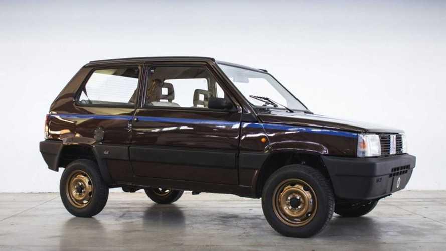 Un Fiat Panda 4x4 clásico, transformado en un coche eléctrico