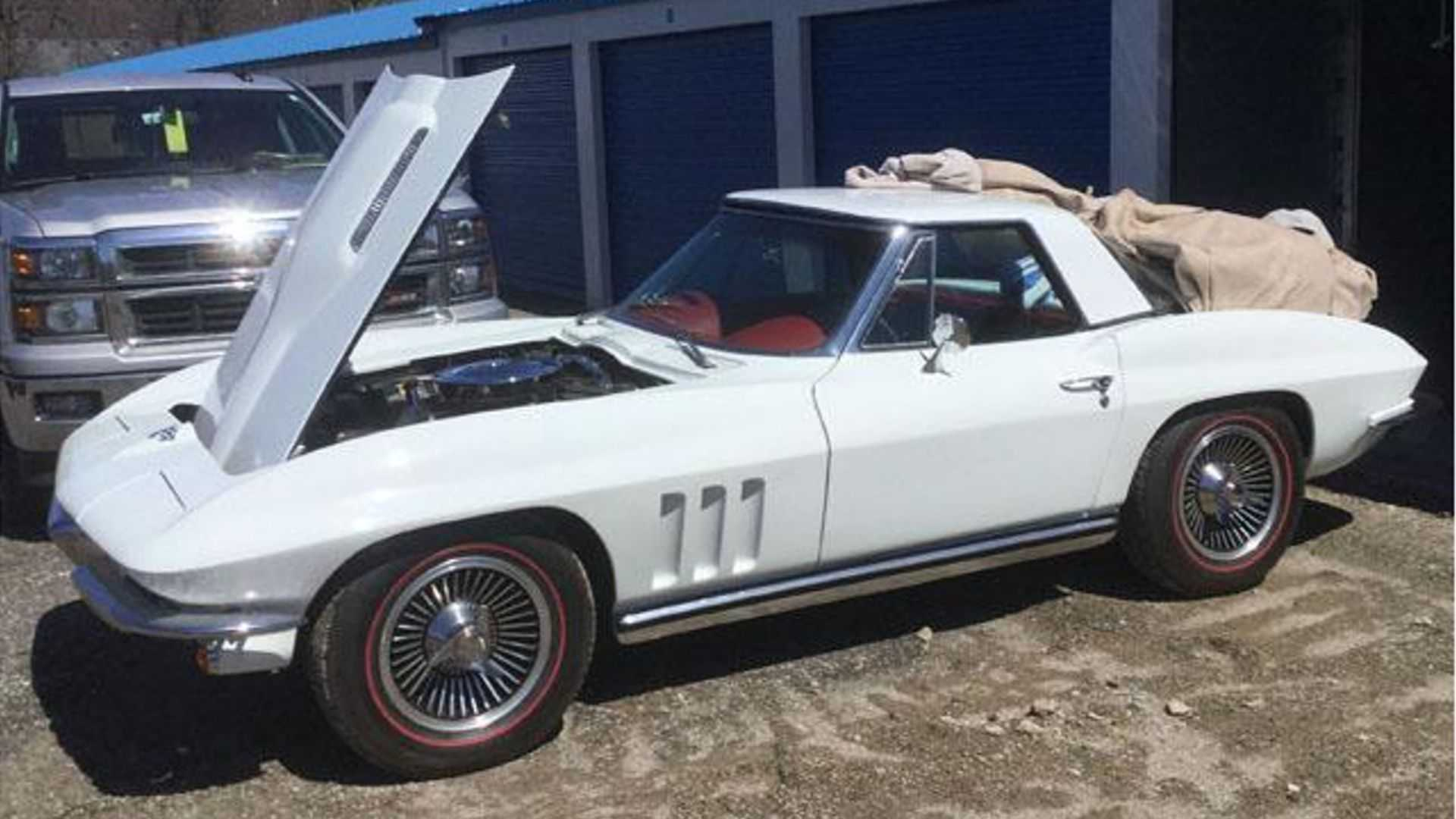 """[""""Clean 1965 Chevy Corvette Convertible Up For Auction""""]"""
