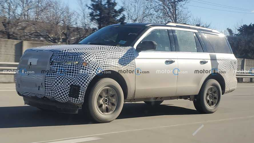 2022 Ford Expedition Facelift Spotted By Motor1.com Reader