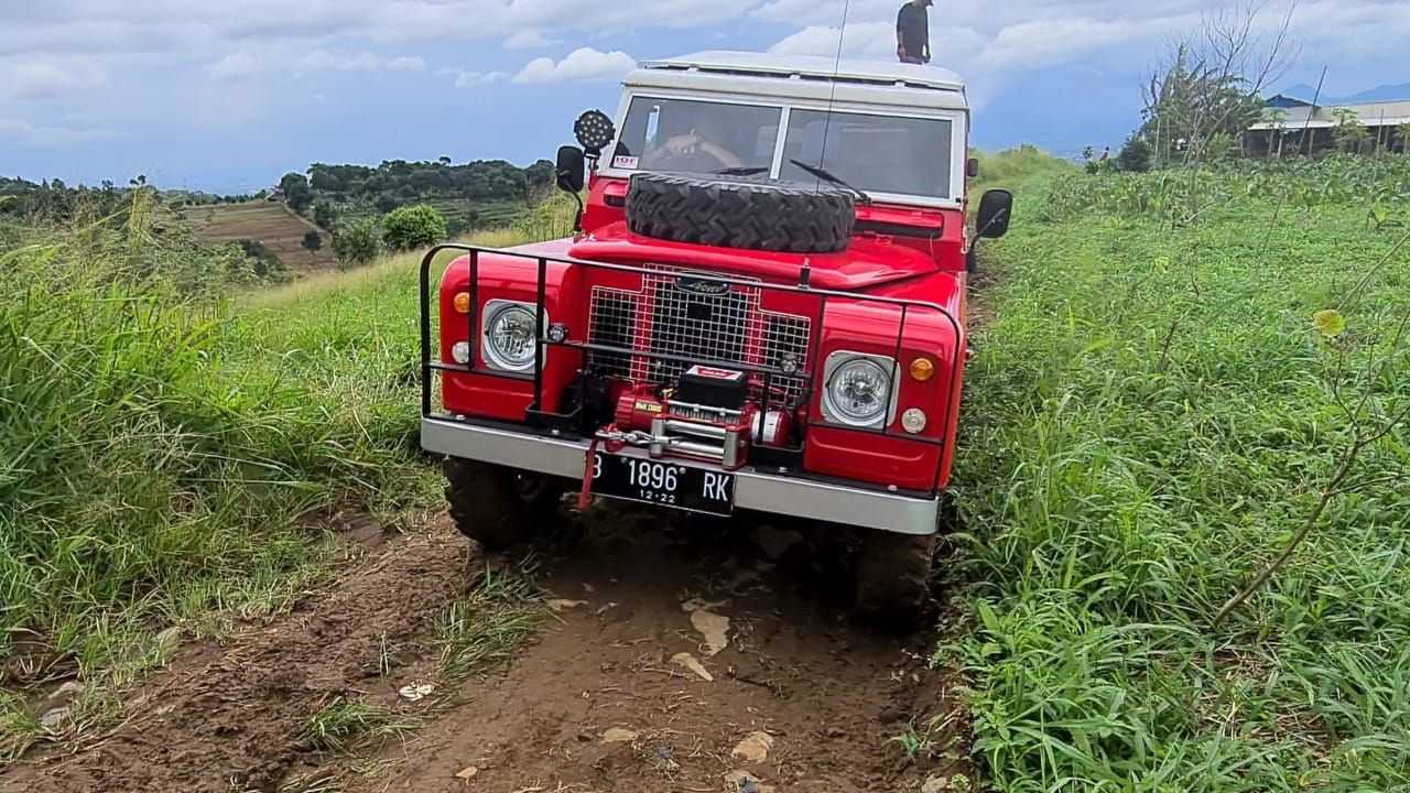 Aksi off-road Land Rover Series 2A 1970