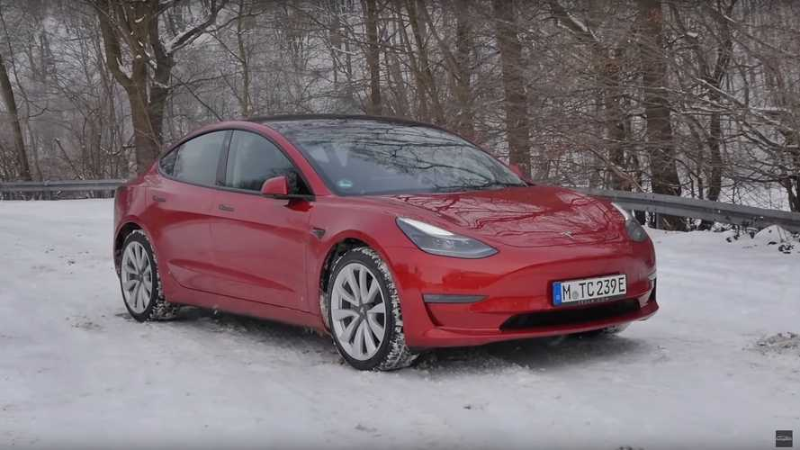 Autogefühl Checks Out The Blacked-Out Tesla Model 3 Facelift