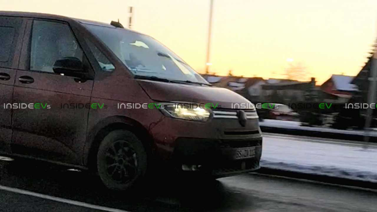 Spy photo VW ID Buzz di Polandia.