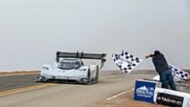 Checkered flag for Romain Dumas, Volkswagen I.D. R Pikes Peak 2018