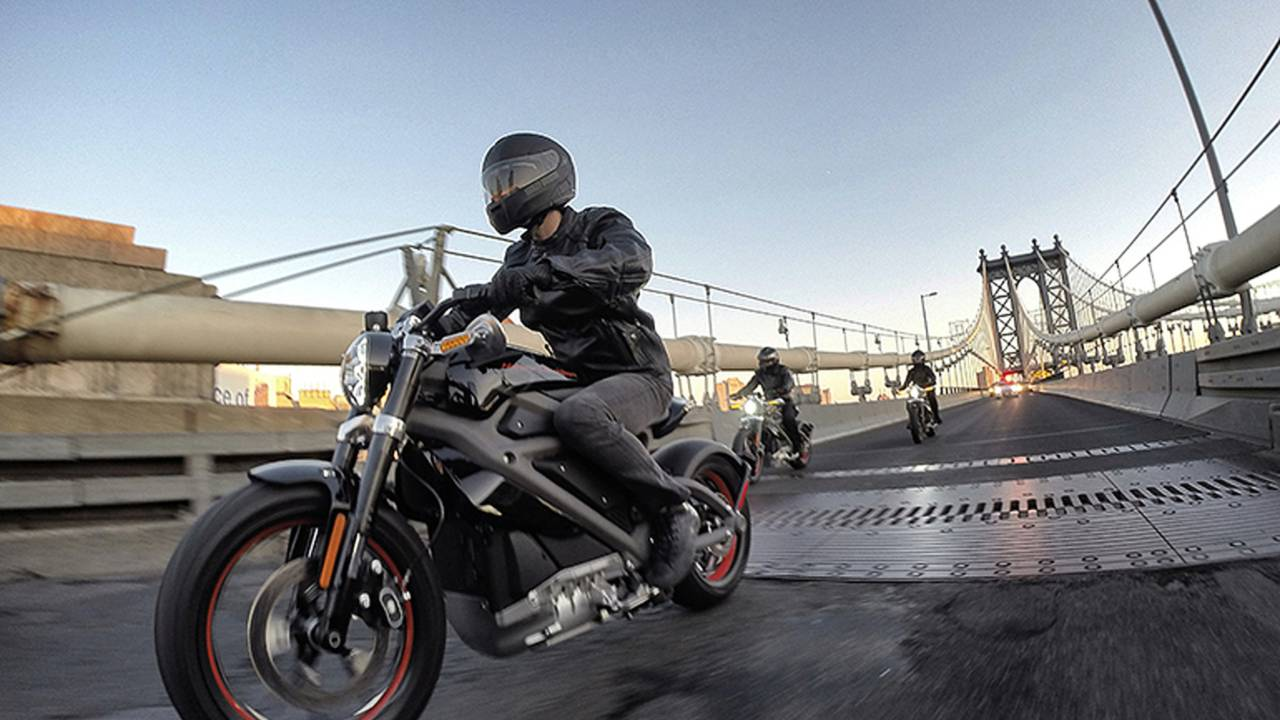 Does Harley-Davidson's Electric Bike Live Up to the Hype? We Ride Project LiveWire