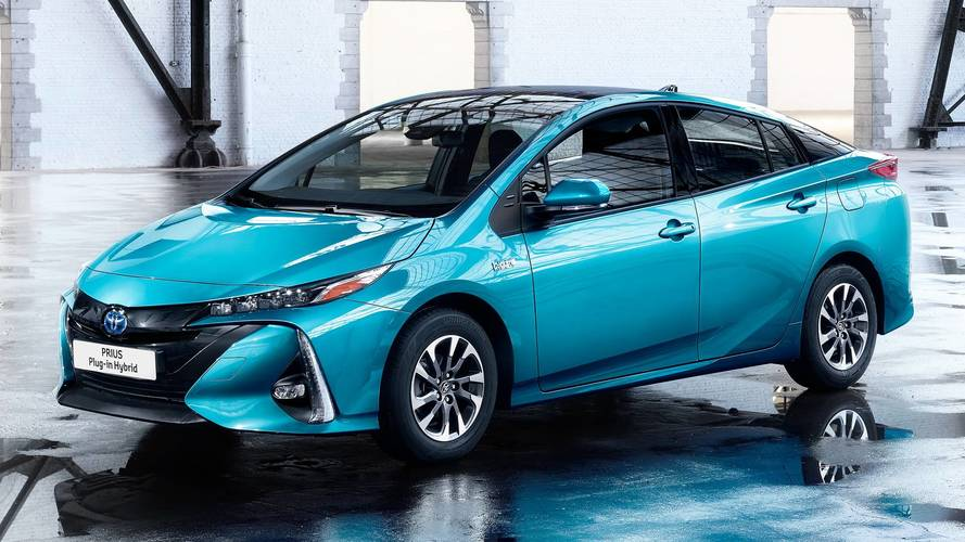 Toyota, dopo le auto ibride dice sì alle elettriche