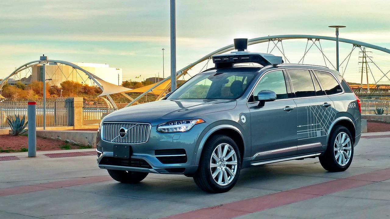 Volvo XC90 a guida autonoma Uber