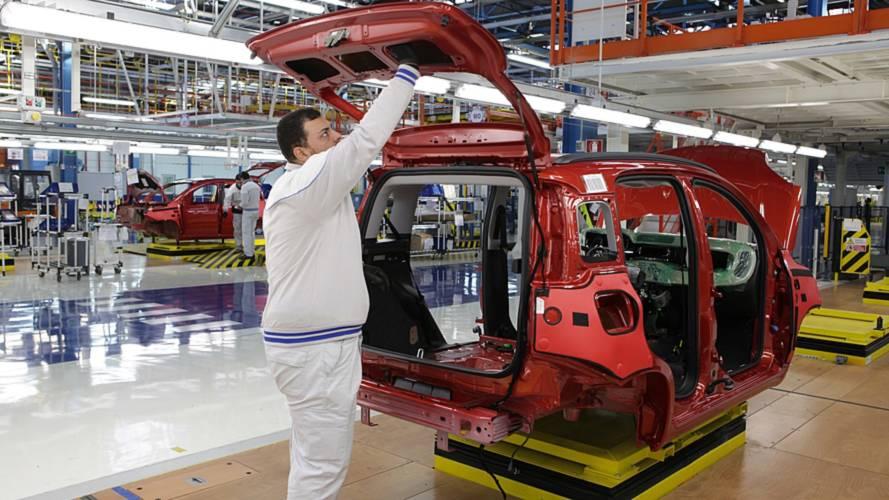 La Juventus recrute Ronaldo, des ouvriers de Fiat font la grève